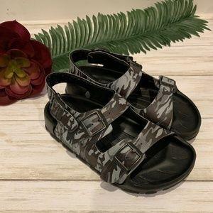 Birkenstock Kids Birki's Camo Ankle Strap Sandals